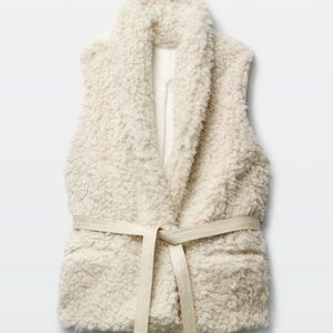 Aritzia Wilfred Courcelle Vest